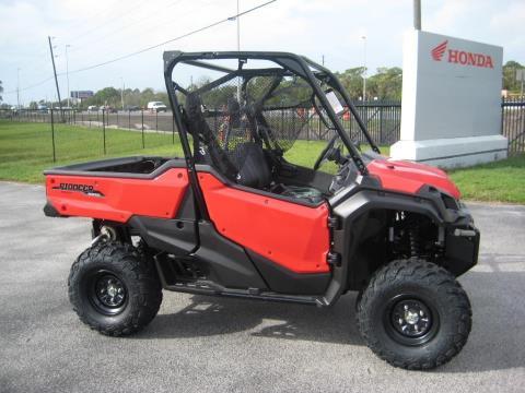 2016 Honda Pioneer 1000 EPS in Hudson, Florida