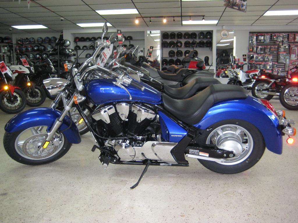 New 2015 honda stateline vt1300cr motorcycles in hudson fl for Action honda hudson fl