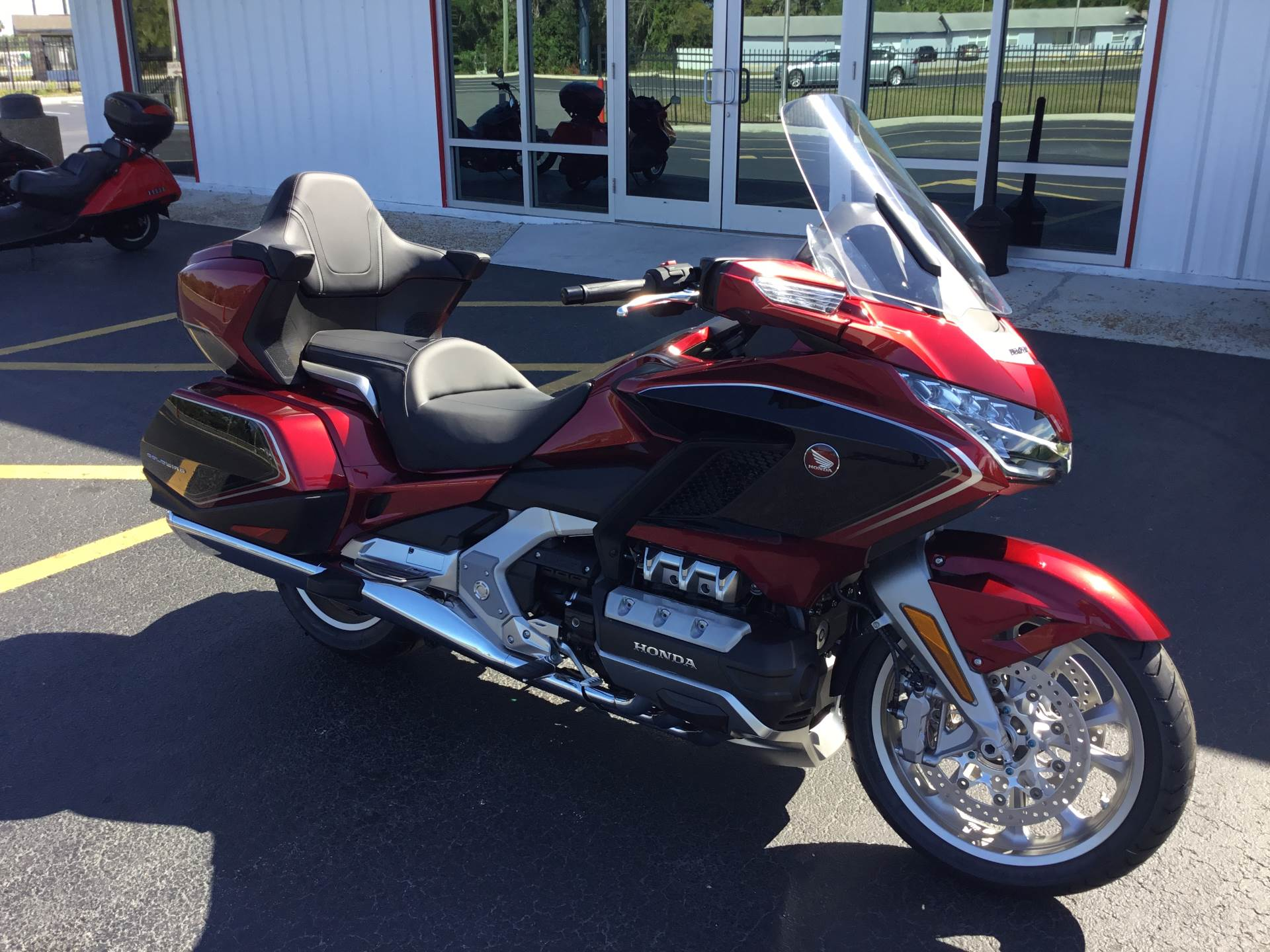 2018 Honda Gold Wing Tour Airbag Automatic DCT in Hudson, Florida - Photo 2