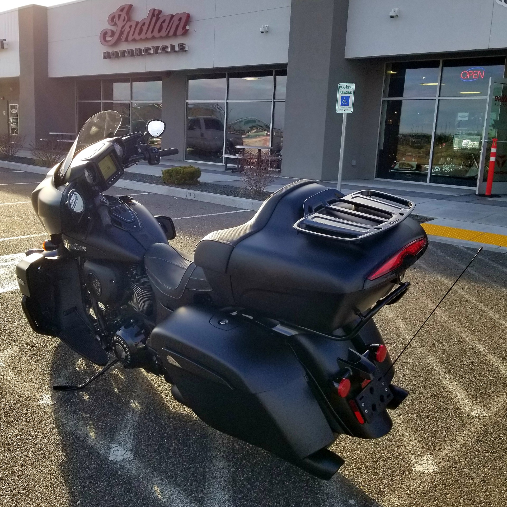 2021 Indian Roadmaster® Dark Horse® in Pasco, Washington - Photo 2