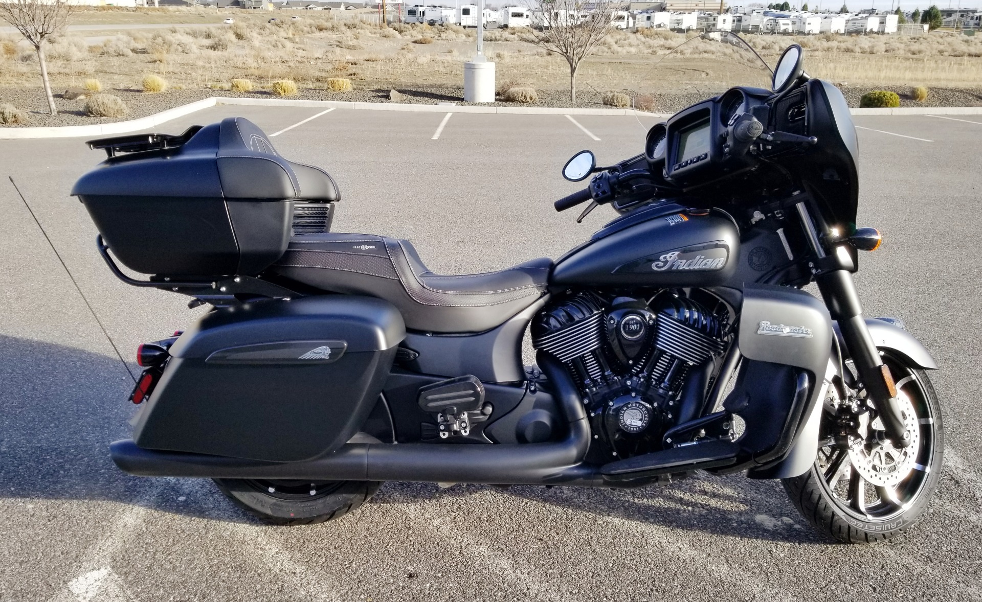 2021 Indian Roadmaster® Dark Horse® in Pasco, Washington - Photo 5