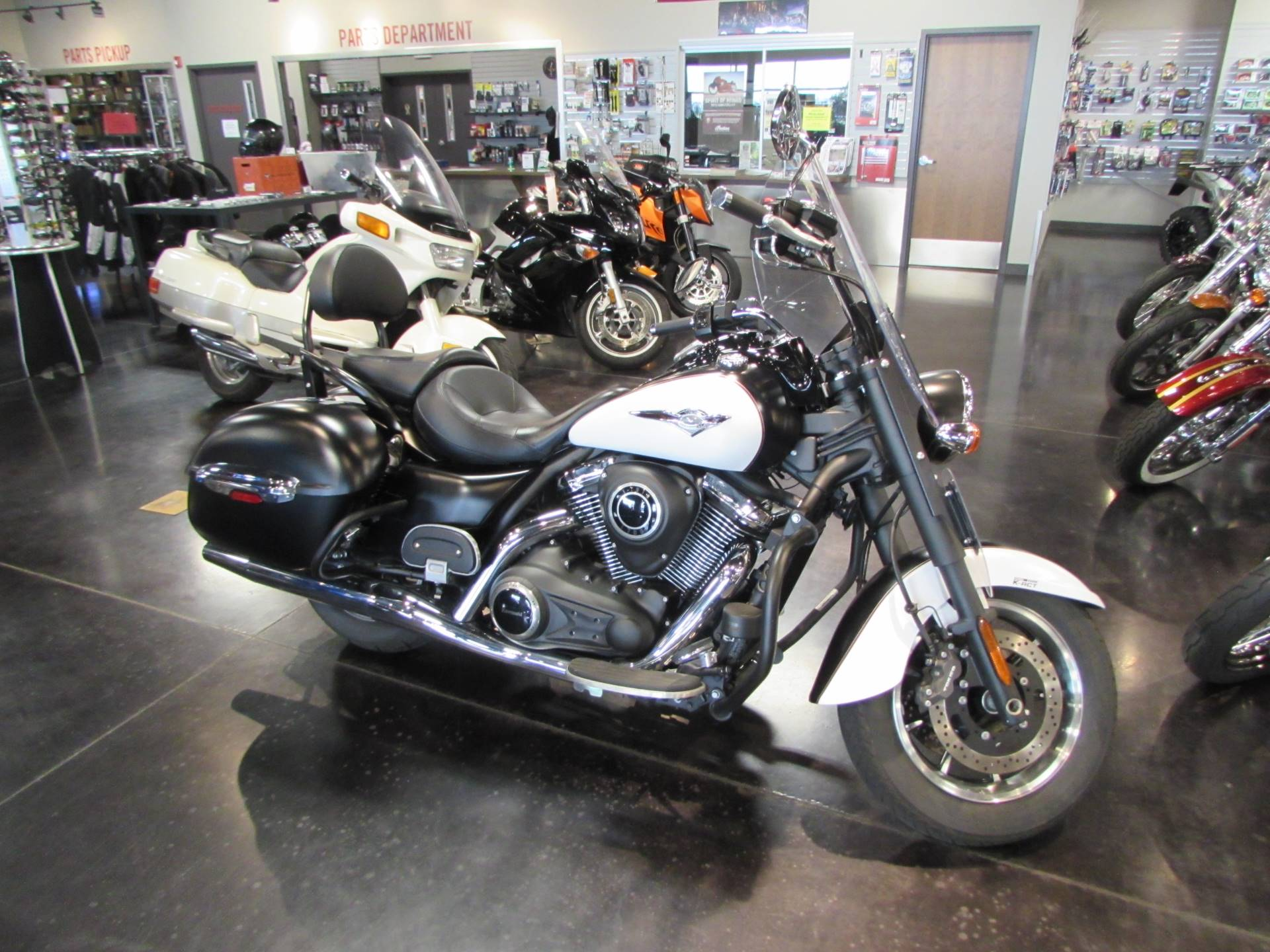 2014 kawasaki vulcan 1700 nomad abs motorcycles pasco for Nomad scheduler
