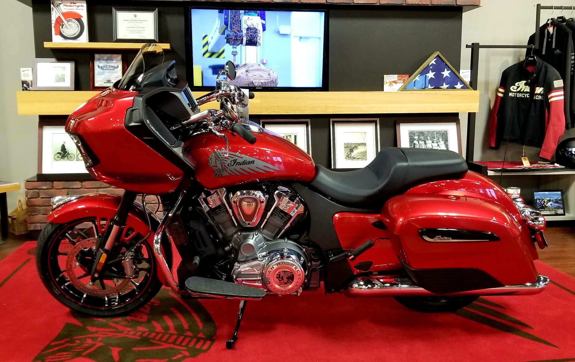 2020 Indian Challenger® Limited in Pasco, Washington - Photo 1
