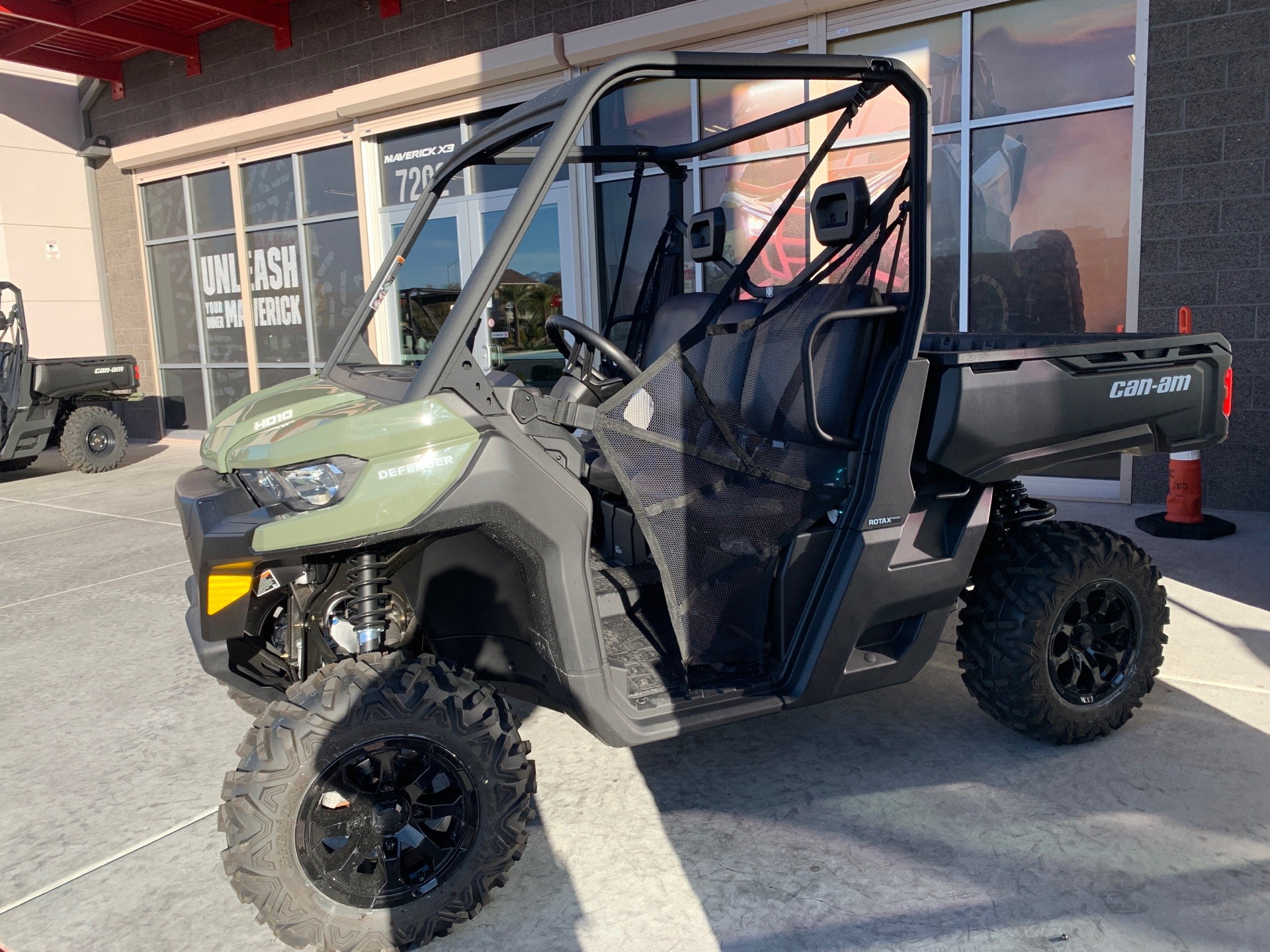 2020 can am defender hd10