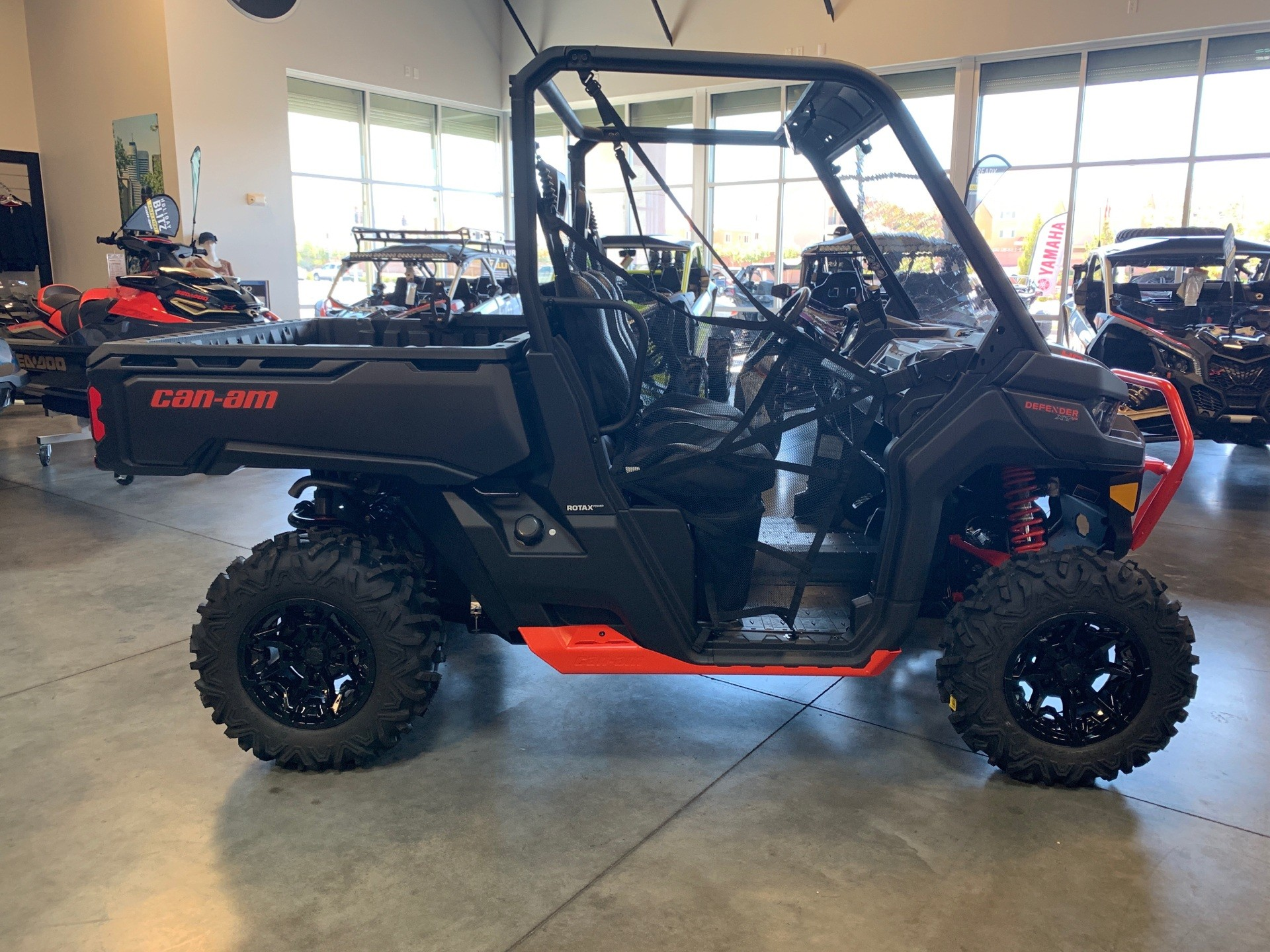 2019 Can-Am Defender XT-P HD10 in Las Vegas, Nevada - Photo 3