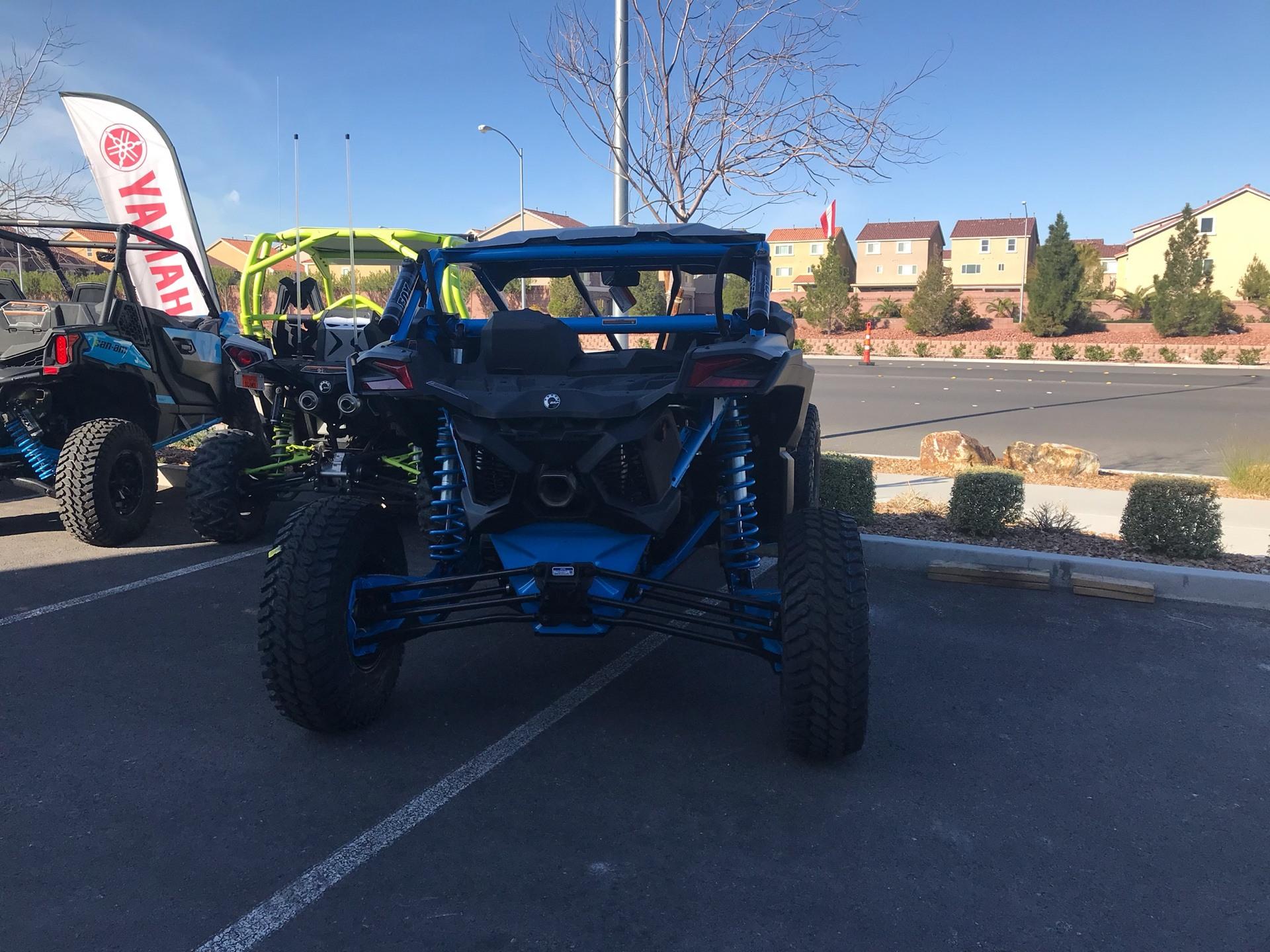 2018 Can-Am™ Maverick X3 X rc Turbo R 3