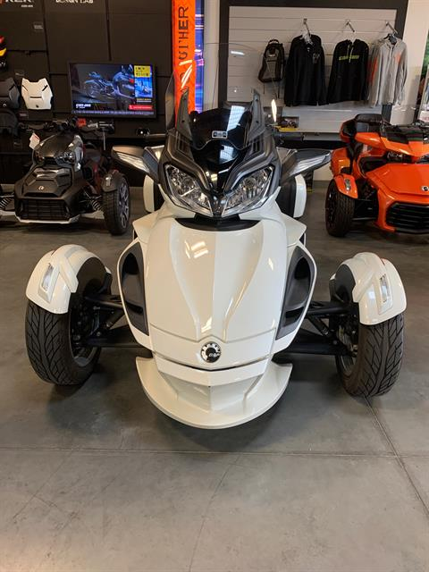 2013 Can-Am Spyder® ST Limited in Las Vegas, Nevada - Photo 3