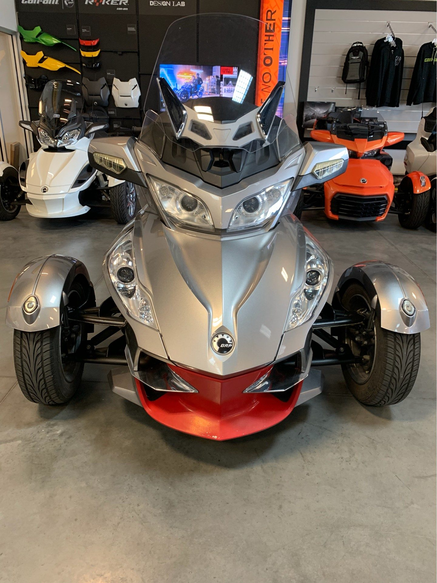 2012 Can-Am Spyder® RT-S SE5 in Las Vegas, Nevada - Photo 5