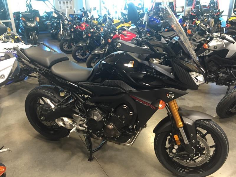 2016 Yamaha FJ-09 Metallic Black in Las Vegas, Nevada
