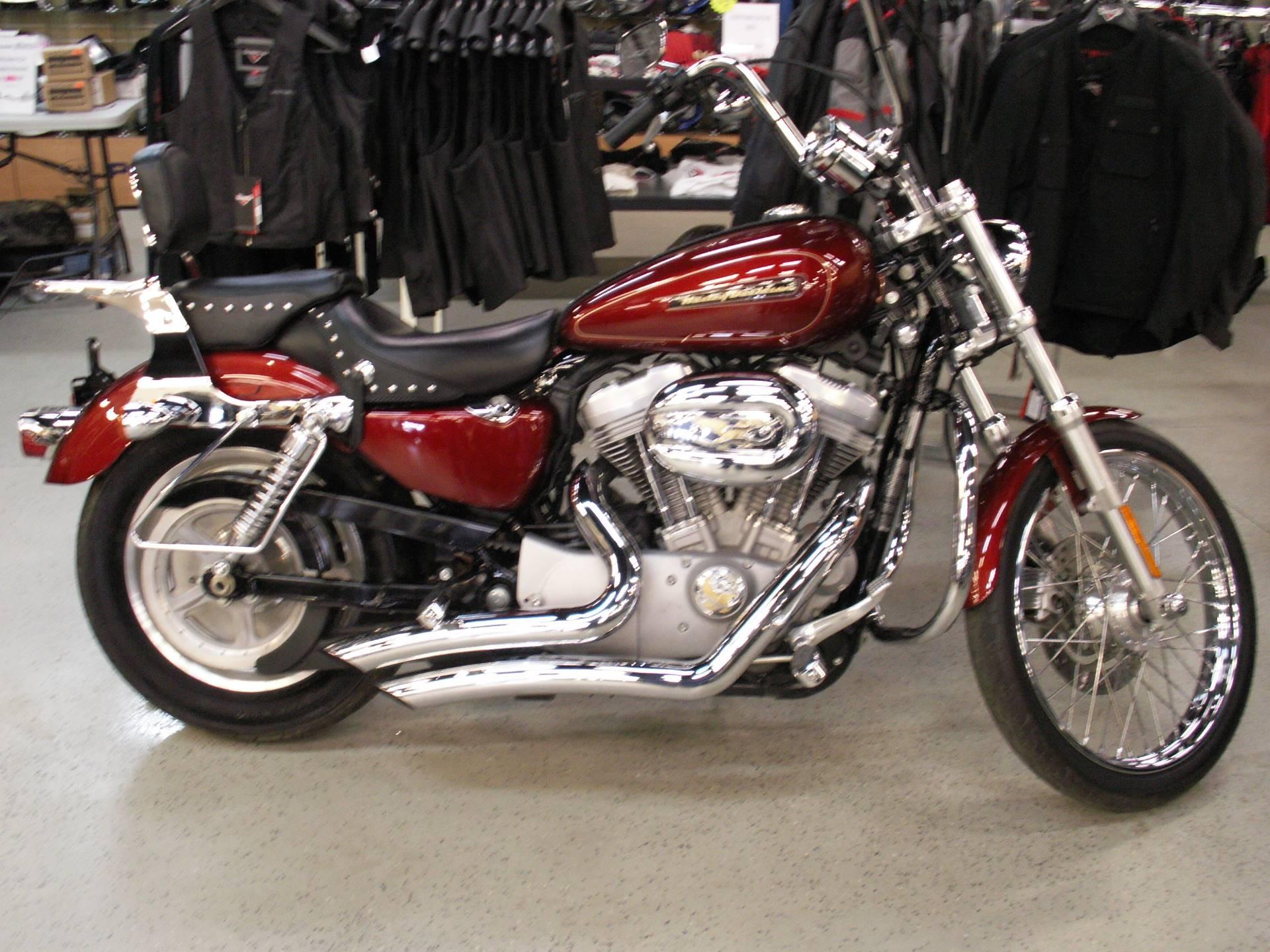 2009 Harley-Davidson Sportster 883 Custom 3