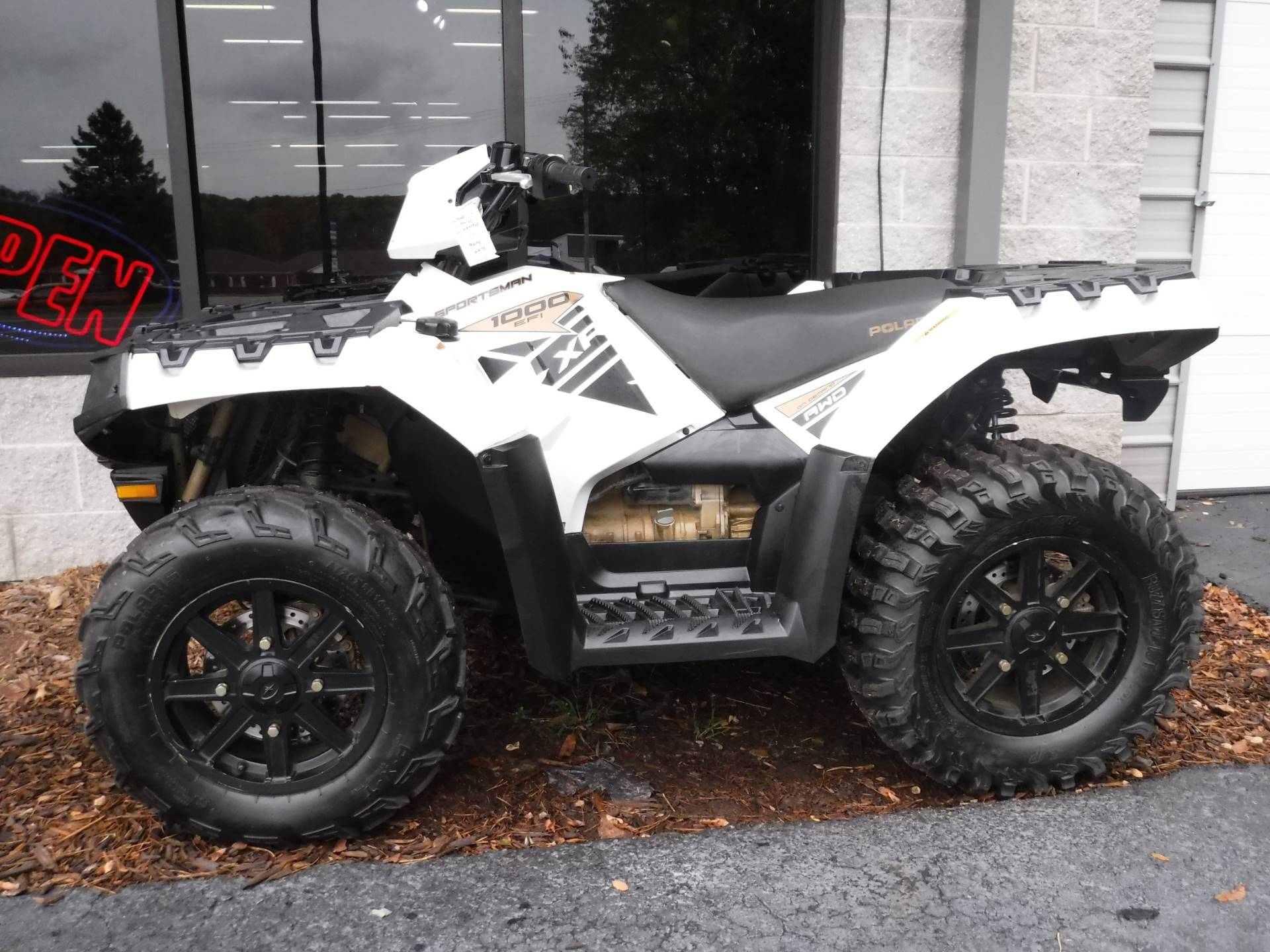 2015 Polaris Sportsman XP® 1000 in Hermitage, Pennsylvania - Photo 2