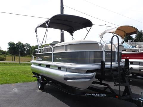 2020 Sun Tracker PARTY BARGE 18 DLX in Hermitage, Pennsylvania - Photo 1