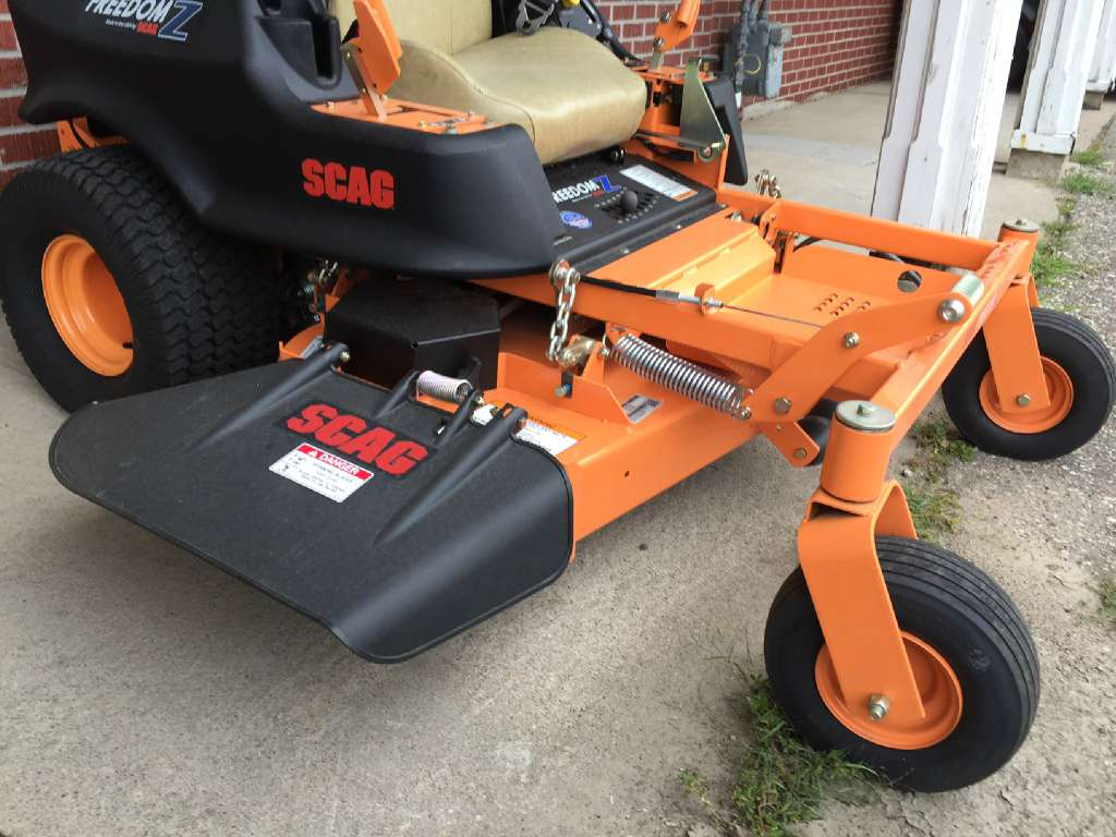 2015 SCAG Power Equipment SFZ48-18FR in Red Wing, Minnesota