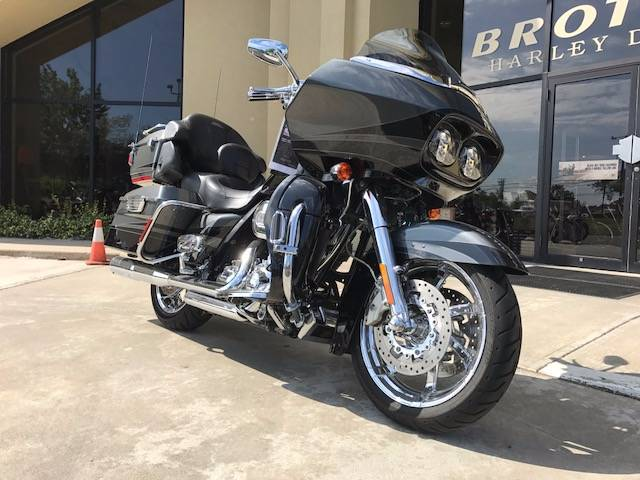 2011 Harley-Davidson CVO™ Road Glide® Ultra in Branford, Connecticut