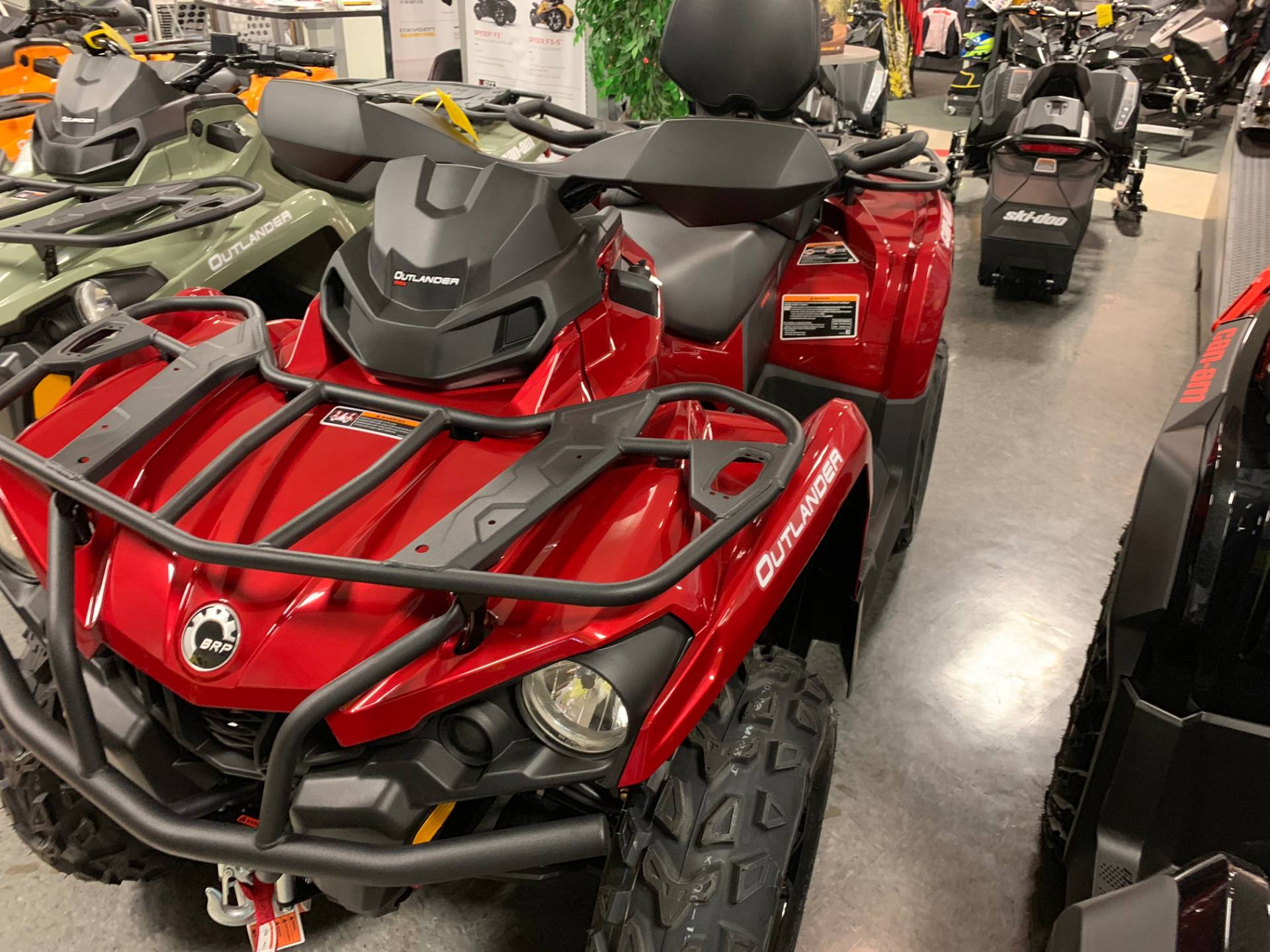 2019 Can-Am Outlander MAX XT 570 in Wilmington, Illinois - Photo 1