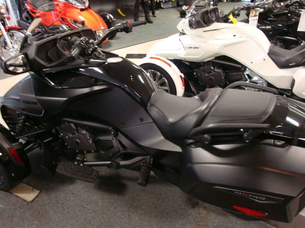 2016 Can-Am Spyder F3 Limited Special Series in Wilmington, Illinois