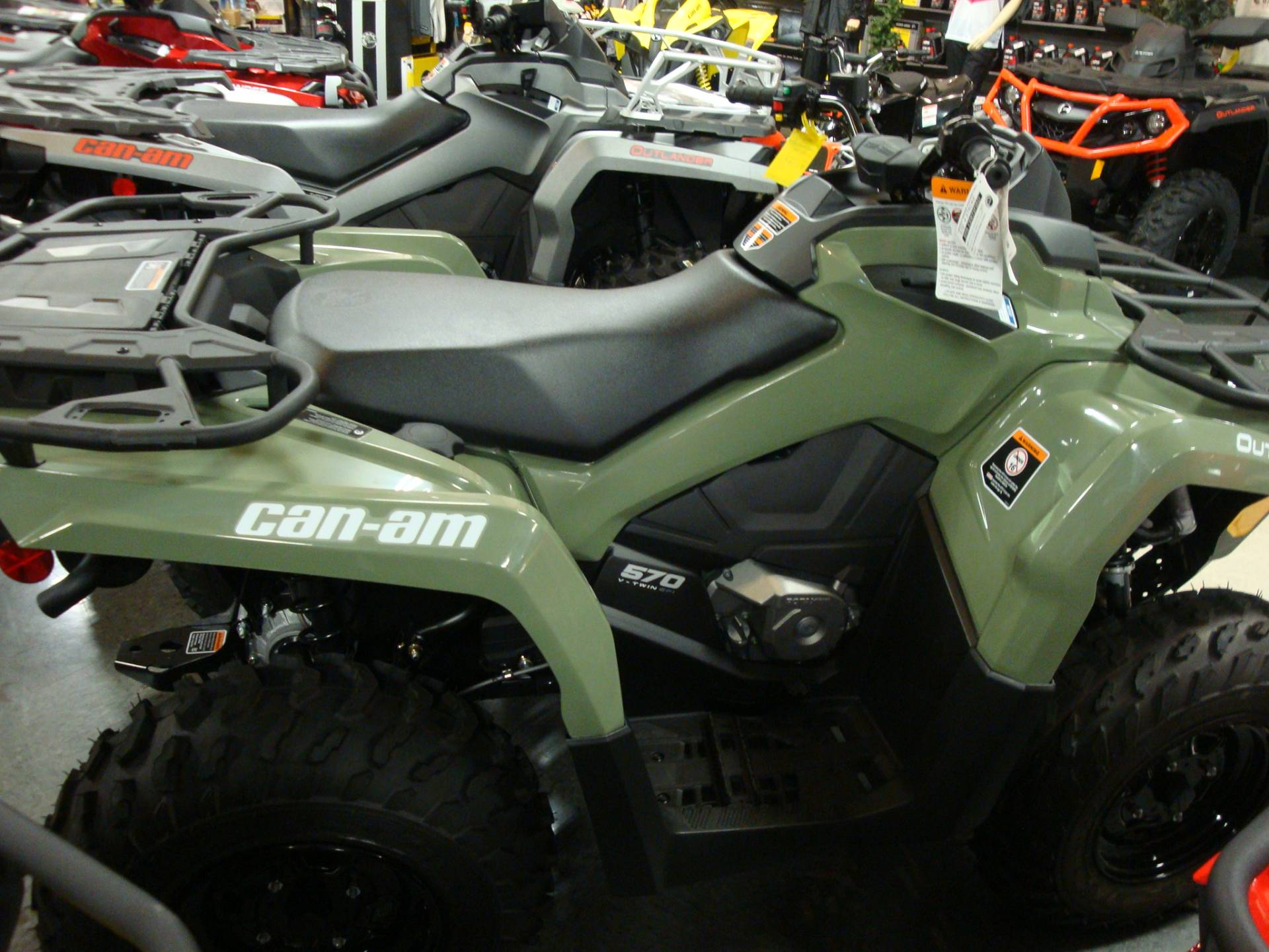 2018 Can-Am Outlander 570 in Wilmington, Illinois