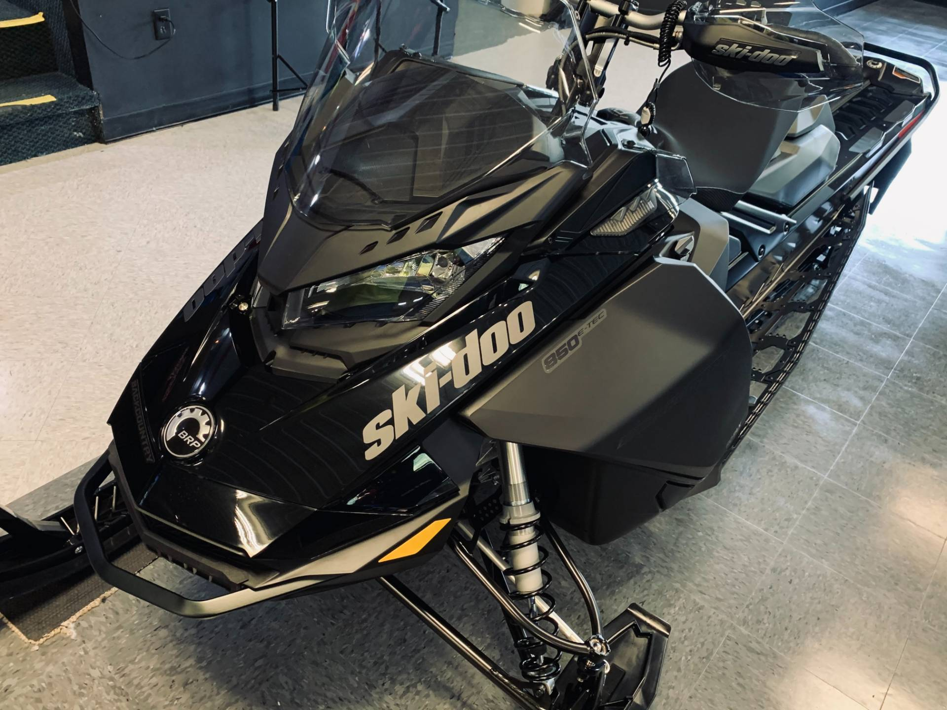2021 Ski-Doo Backcountry 850 E-TEC ES Cobra 1.6 in Wilmington, Illinois - Photo 3