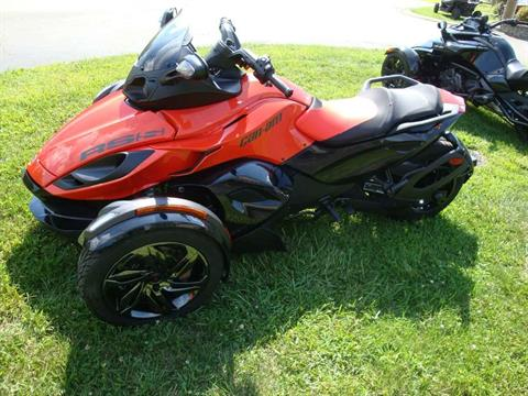 2016 Can-Am Spyder RS-S SE5 Magma in Wilmington, Illinois