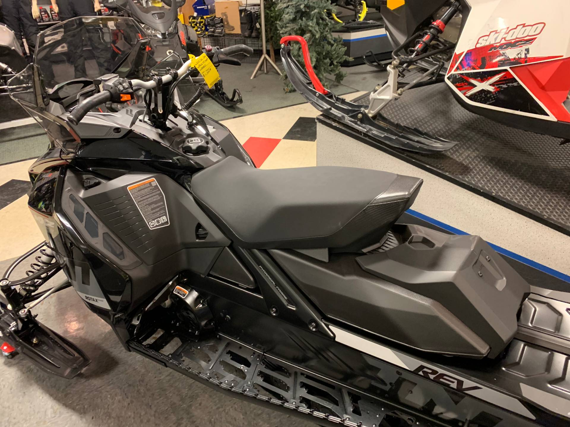 2019 Ski-Doo MXZ TNT 600R E-TEC in Wilmington, Illinois - Photo 3