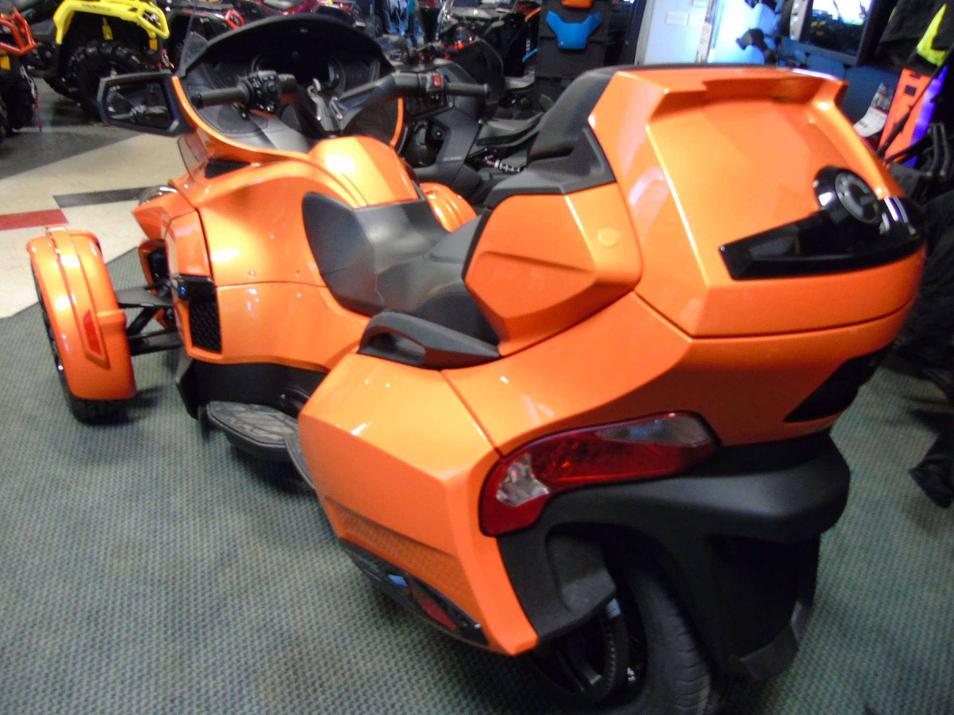 2019 Can-Am Spyder RT Limited in Wilmington, Illinois - Photo 3
