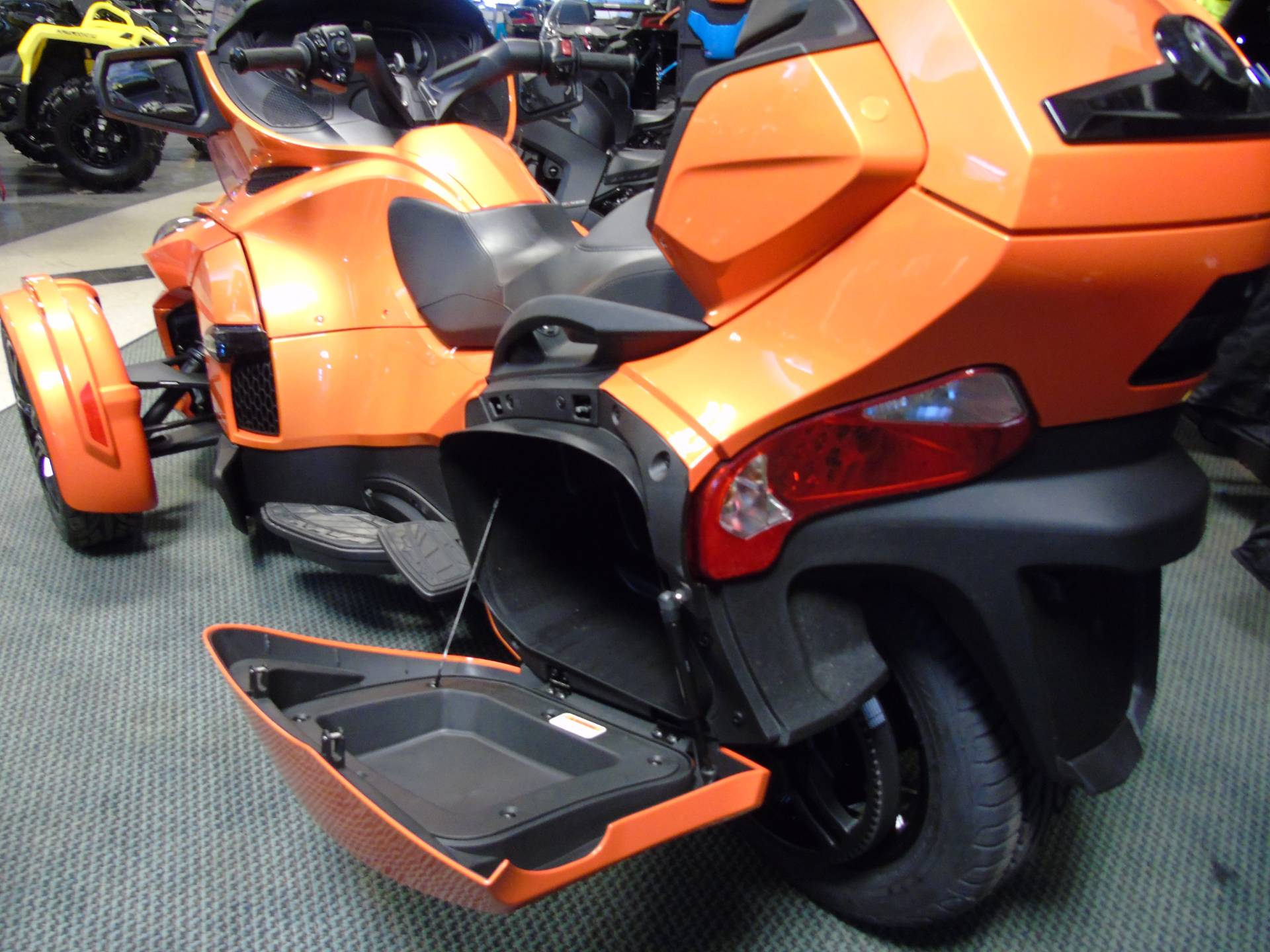 2019 Can-Am Spyder RT Limited in Wilmington, Illinois - Photo 12