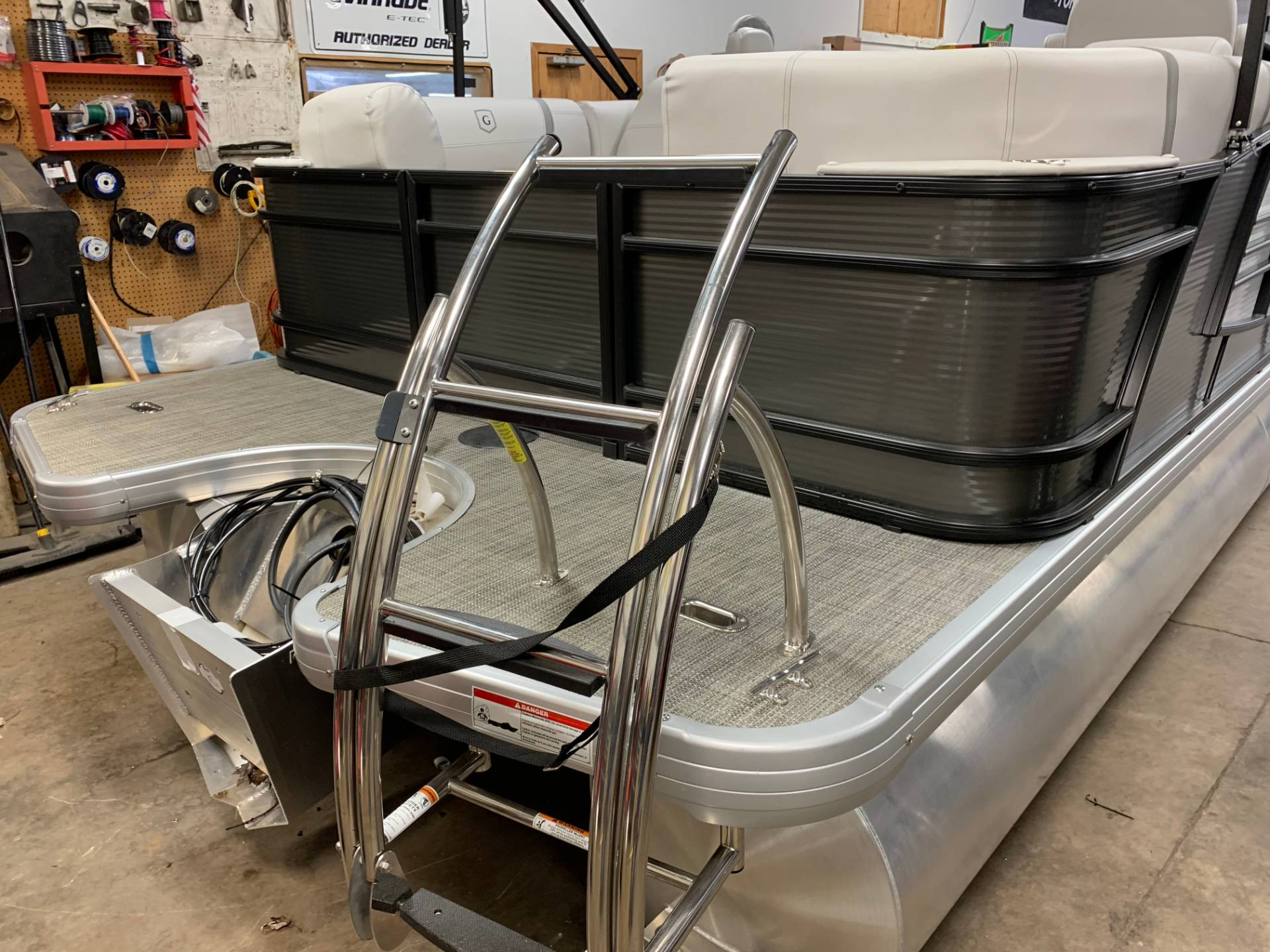 2019 AquaPatio 235 SPLIT BENCH in Wilmington, Illinois - Photo 3
