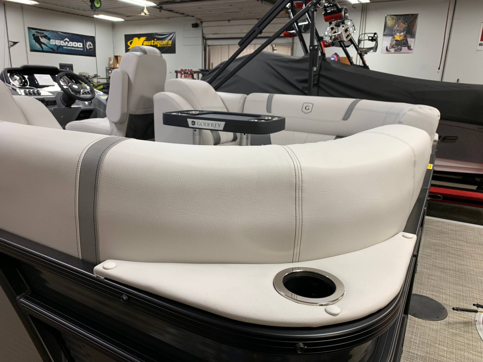 2019 AquaPatio 235 SPLIT BENCH in Wilmington, Illinois - Photo 7