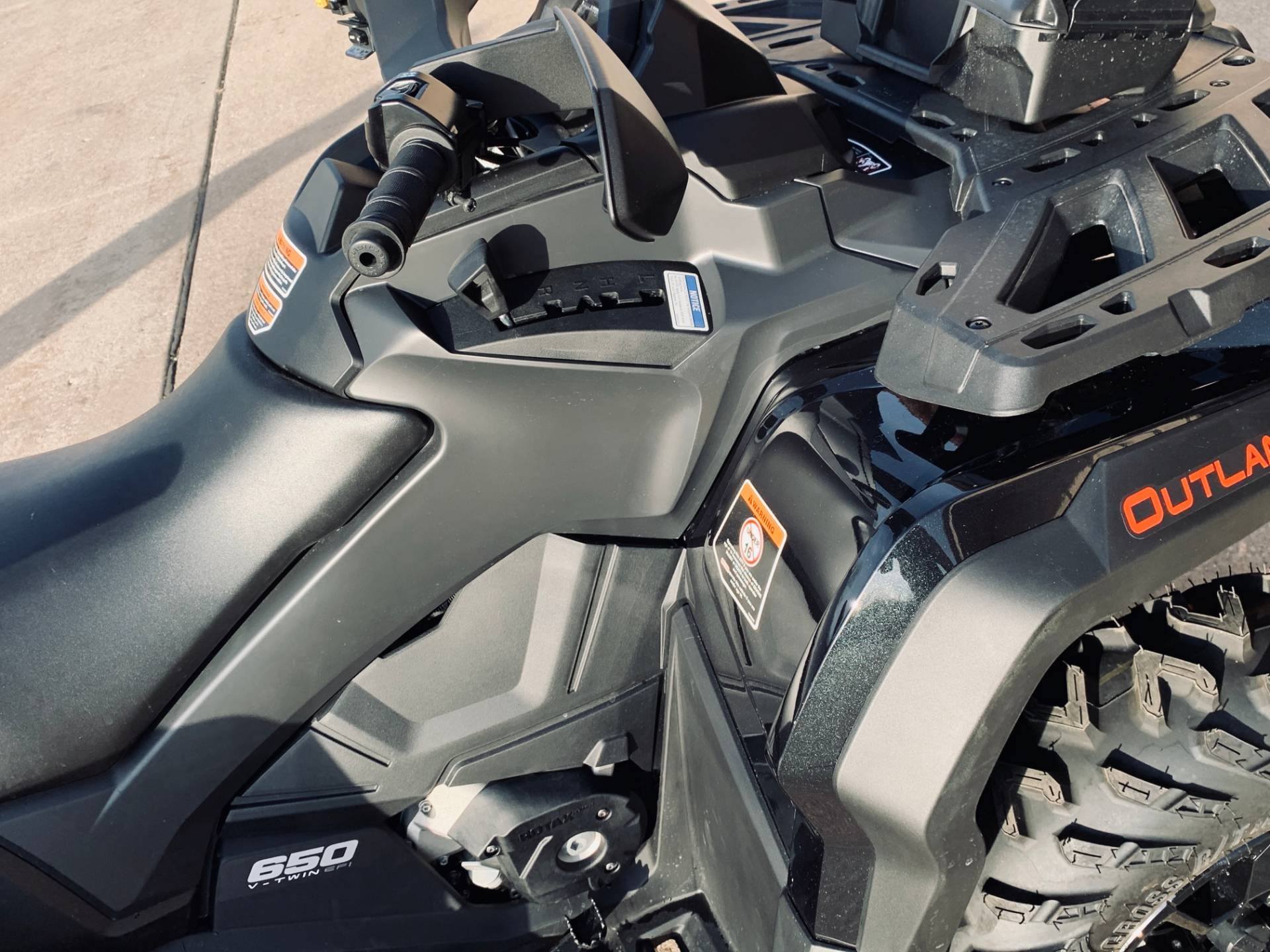 2019 Can-Am Outlander MAX XT 650 in Wilmington, Illinois - Photo 5