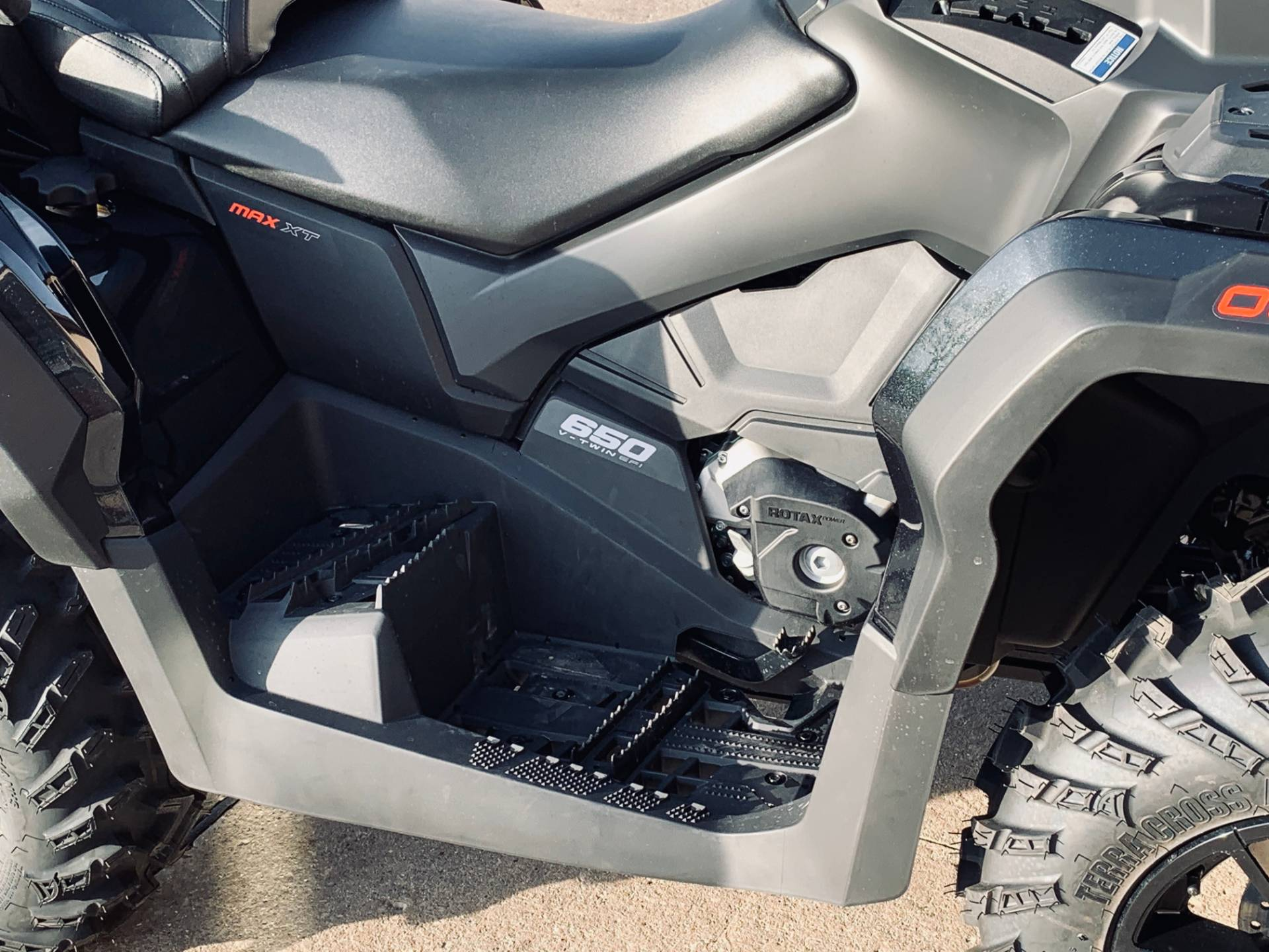 2019 Can-Am Outlander MAX XT 650 in Wilmington, Illinois - Photo 6