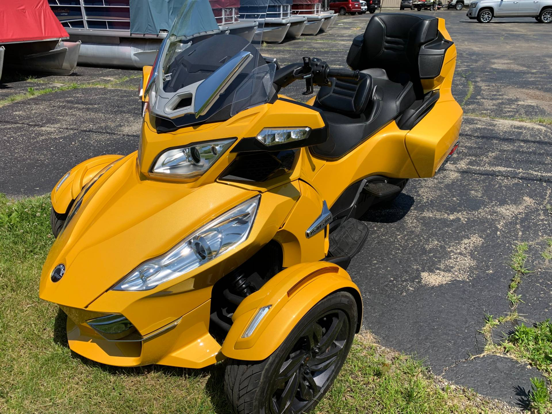 2013 Can-Am Spyder® RT-S SE5 in Wilmington, Illinois - Photo 3