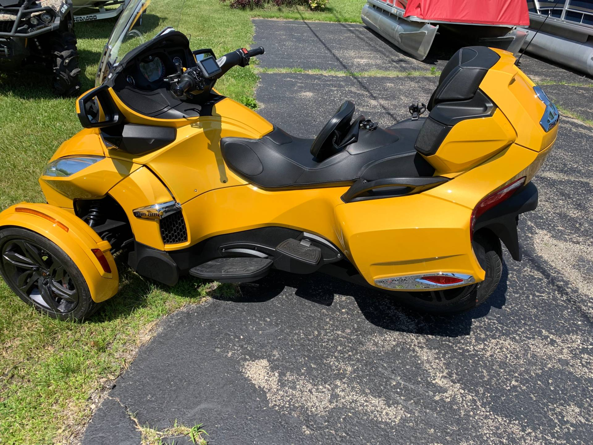 2013 Can-Am Spyder® RT-S SE5 in Wilmington, Illinois - Photo 4