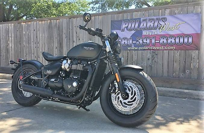 2019 Triumph Bonneville Bobber Black in Katy, Texas - Photo 4