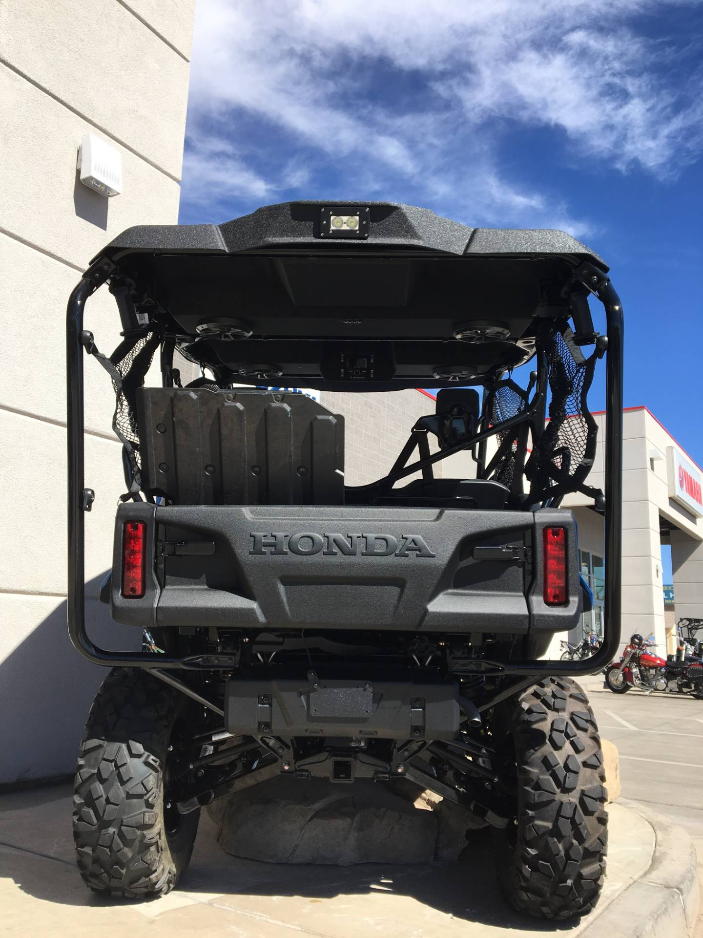 2017 Honda Pioneer 1000-5 Deluxe 3
