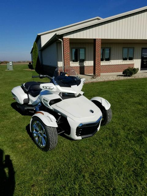 2016 Can-Am Spyder F3 Limited in Charleston, Illinois