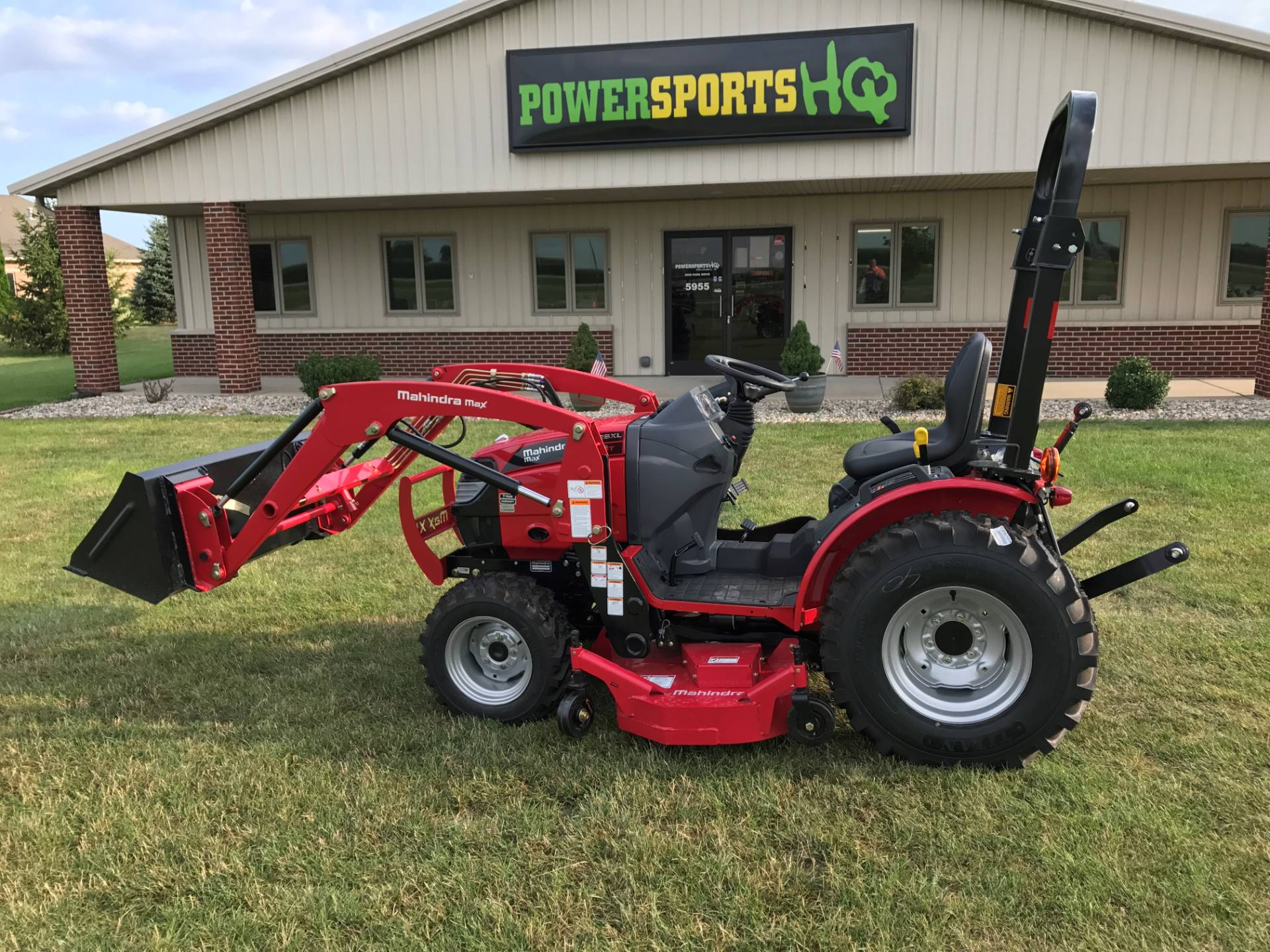 2016 Mahindra TR MAX 26 W/IND TIRES &LDR&MOWER in Charleston, Illinois