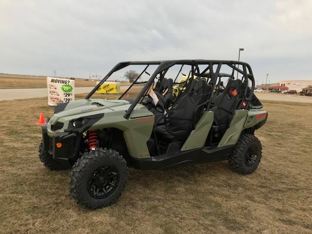 2018 Can-Am Commander MAX DPS 1000R in Charleston, Illinois