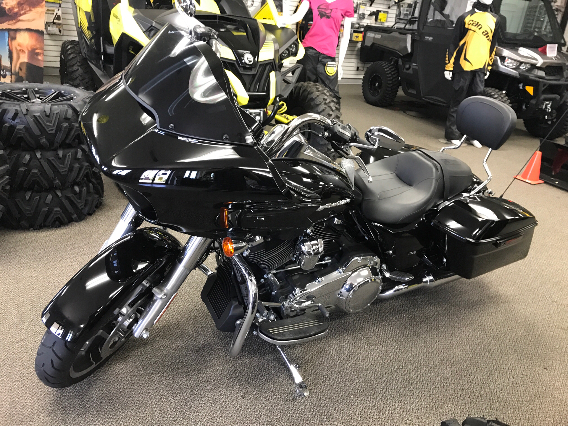 2017 Harley-Davidson Road Glide® Special in Charleston, Illinois