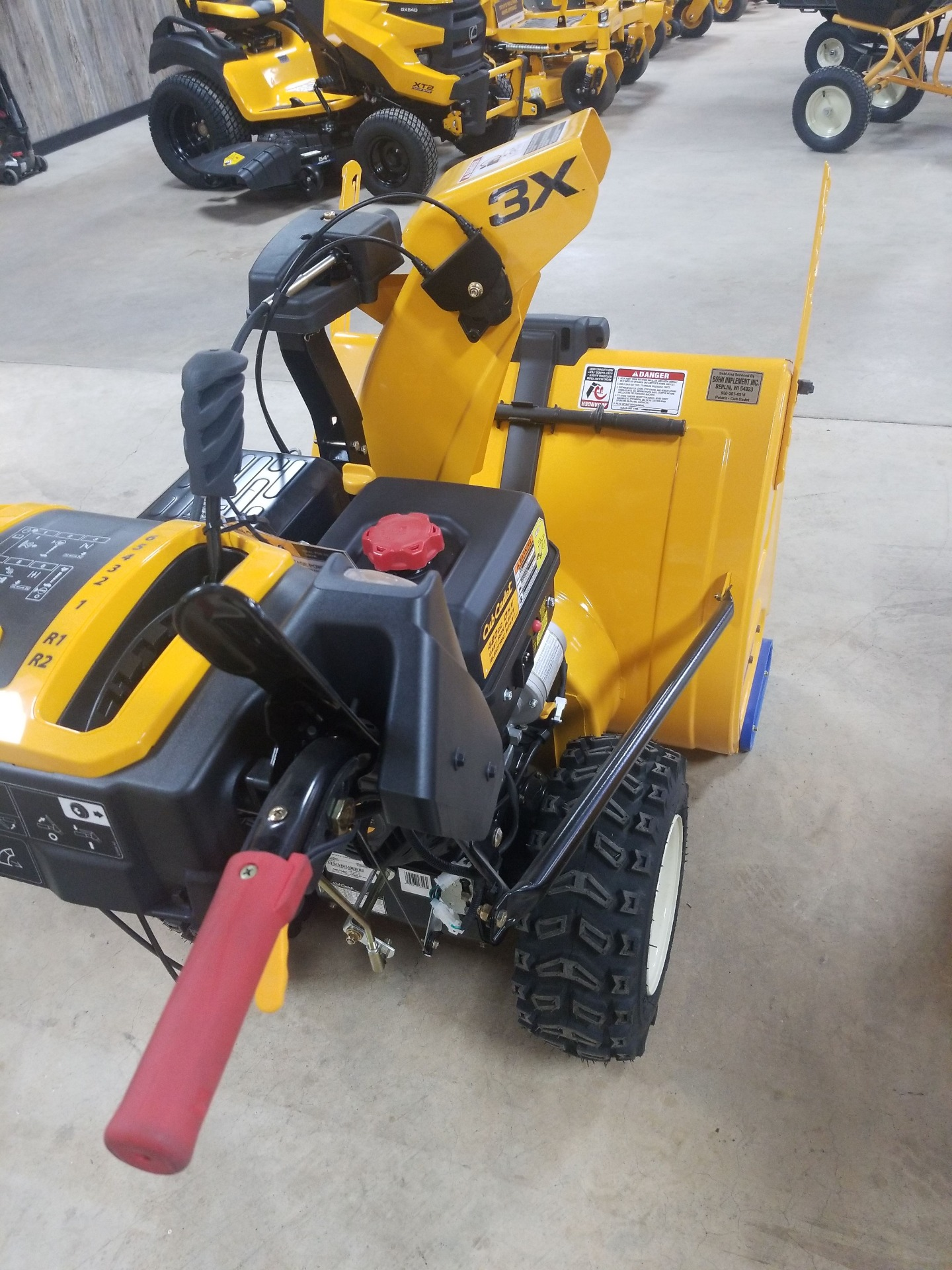 Cub Cadet 2X 30 PRO in Berlin, Wisconsin - Photo 2