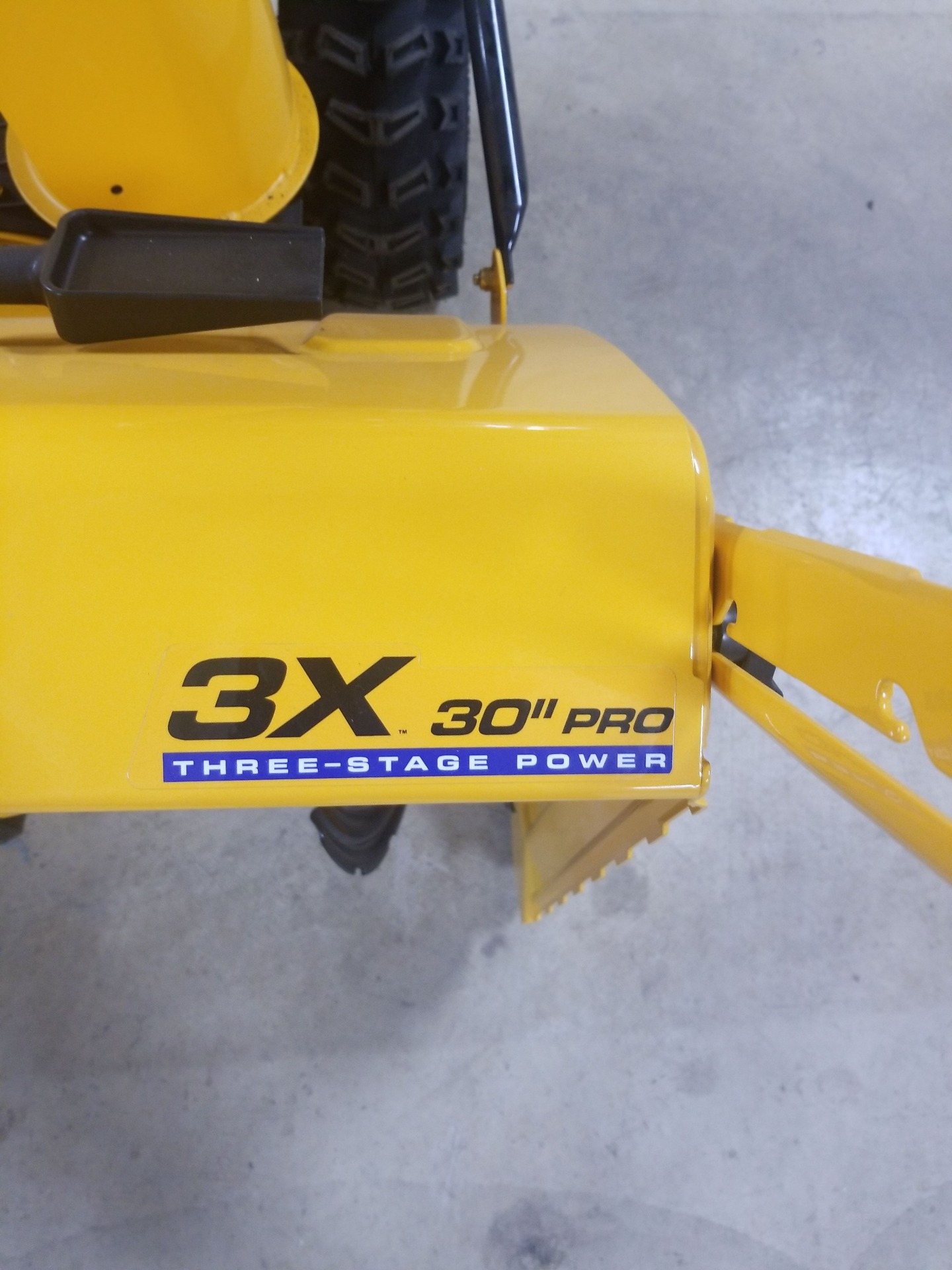 Cub Cadet 2X 30 PRO in Berlin, Wisconsin - Photo 4