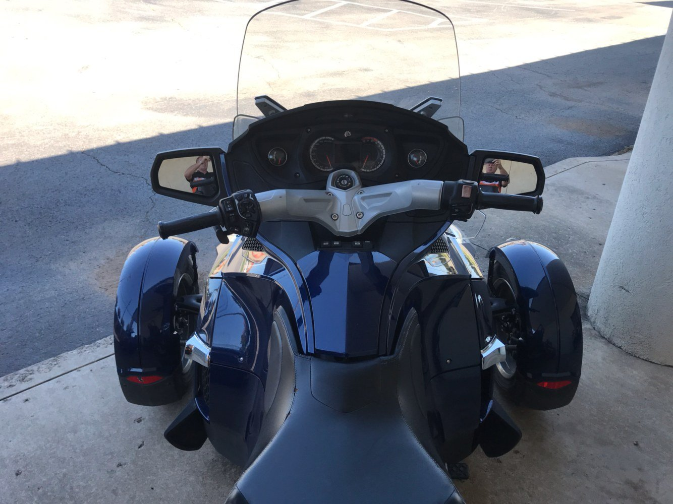 2010 Can-Am Spyder® RT-S SE5 in Tulsa, Oklahoma - Photo 5