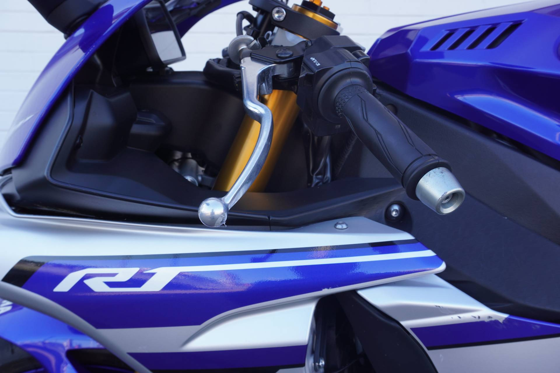 2016 Yamaha YZF-R1 in Tulsa, Oklahoma - Photo 5