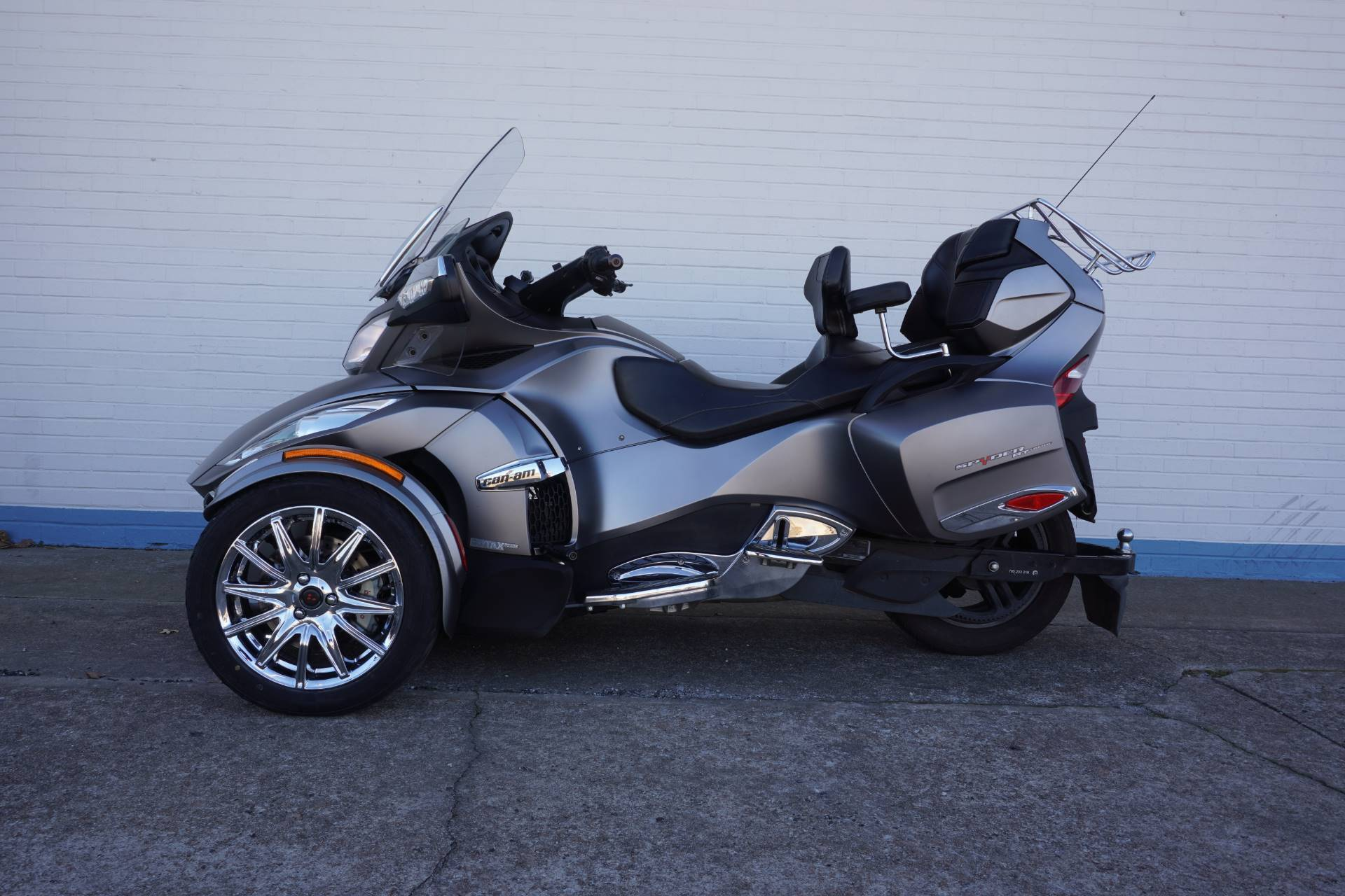 2014 Can-Am Spyder® RT Limited in Tulsa, Oklahoma - Photo 3