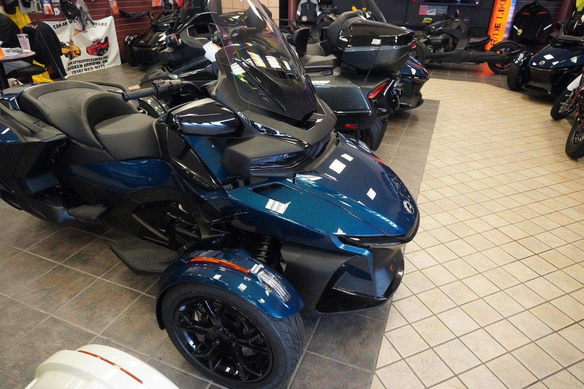 2020 Can-Am Spyder RT in Tulsa, Oklahoma - Photo 2