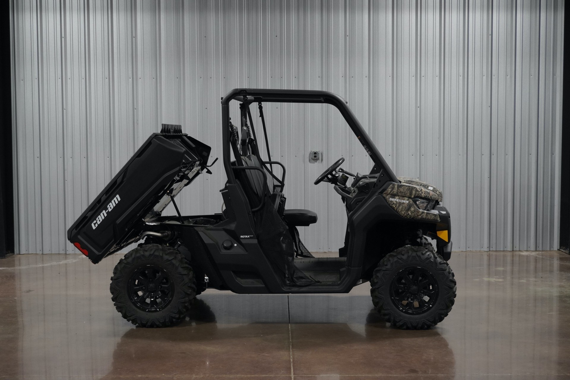 2019 Can-Am Defender DPS HD8 in Sapulpa, Oklahoma - Photo 2