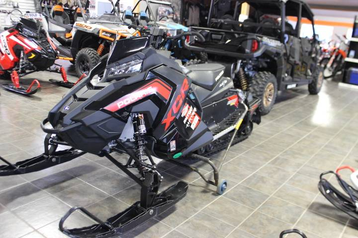 2018 Polaris 800 Switchback XCR SnowCheck Select in Oxford, Maine