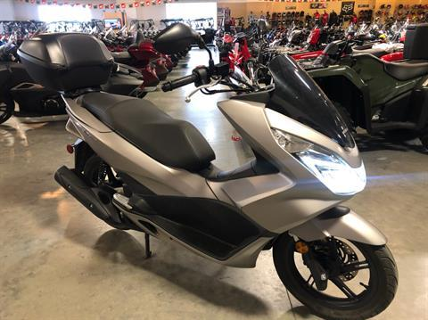 2016 Honda PCX150 in Davenport, Iowa - Photo 2