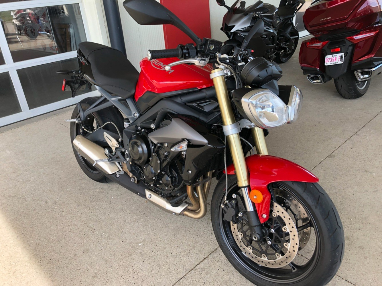 2015 Triumph Street Triple ABS in Davenport, Iowa - Photo 2
