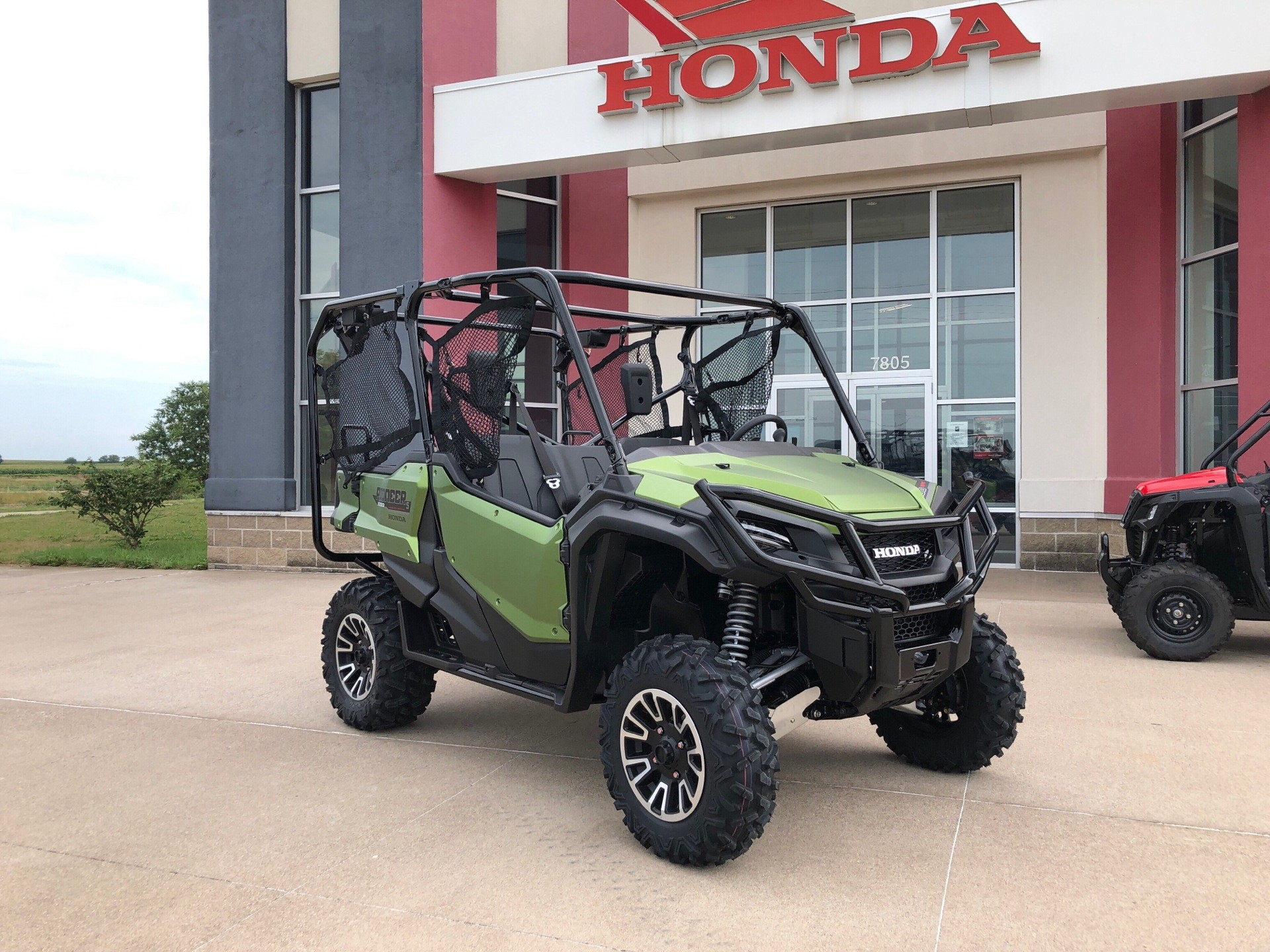 2020 Honda Pioneer 1000-5 LE in Davenport, Iowa - Photo 2