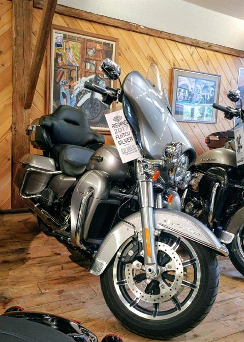 2017 Harley-Davidson Ultra in Hermon, Maine